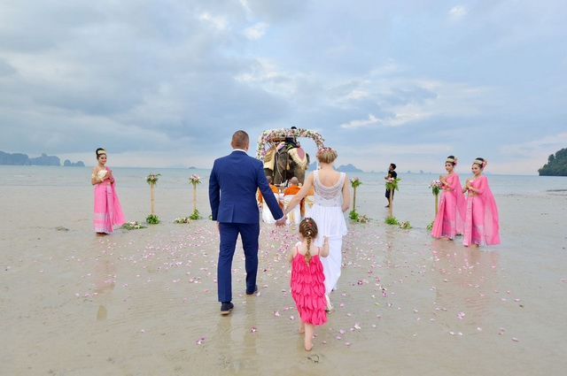 Destination wedding packages the way to select the most appropriate destination wedding packages the way to select the most appropriate one for that wedding sz wed shop junglespirit Images